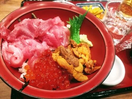 仲家の海鮮丼